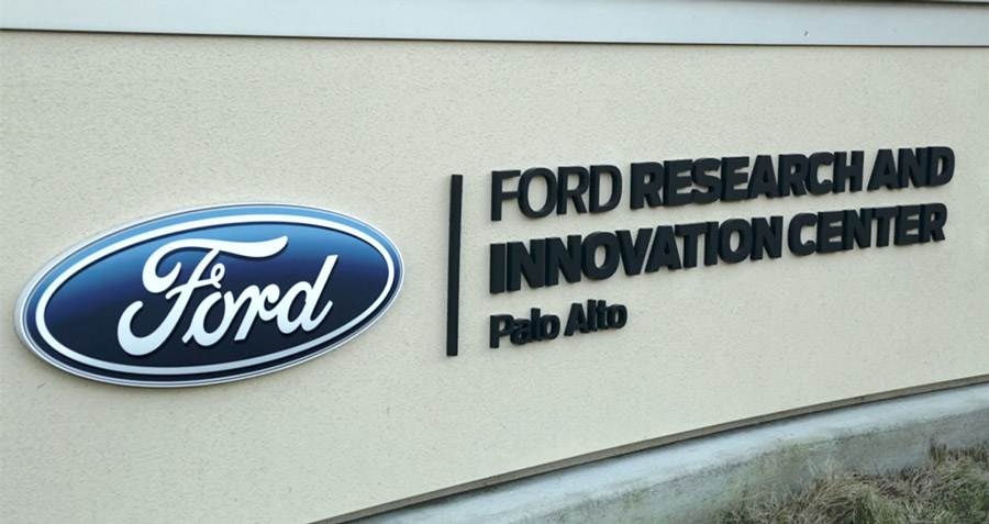 guida autonoma ford inaugura centro silicon valley